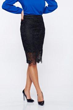 Fekete StarShinerS elegáns szoknya csipkés anyagból belső béléssel