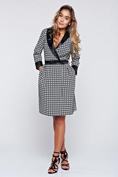 Fekete Artista zsebes harang alakú ruha dekoltázzsal