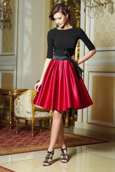 Piros Artista alkalmi harang ruha szatén anyagból