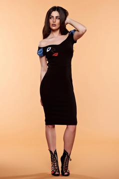 Fekete StarShinerS hímzett ruha masni alakú kiegészítővel
