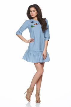 Kék hétköznapi PrettyGirl ruha hímzett betétekkel