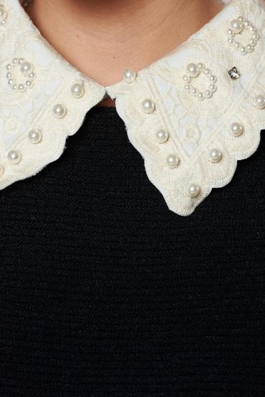 Krém StarShinerS nyakék gyöngy díszítéssel