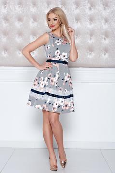 Barackvirágszínű LaDonna ruha ujj nélküli virágmintás díszítéssel
