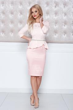 Rózsaszínű StarShinerS elegáns ruha övvel ellátva strassz köves díszítéssel