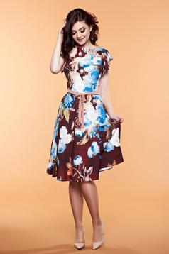 Barna LaDonna ruha virágmintás díszítéssel övvel ellátva
