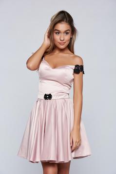 Rövid rózsaszínű alkalmi Artista ruha szatén anyagból