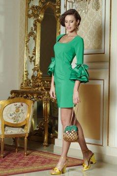 Zöld Artista ruha harang ujjakkal masnikkal van ellátva
