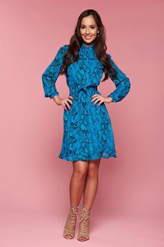 Türkiz PrettyGirl ruha virágmintás díszítéssel fátyol anyag