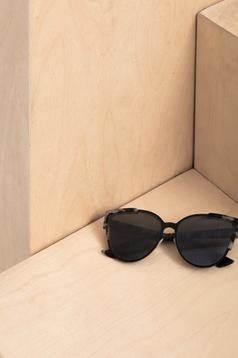 Fekete Top Secret napszemüveg cat-eye lencsével nyomtatott mintával