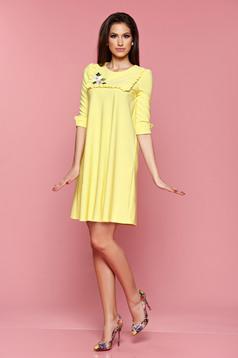 Sárga LaDonna bő szabású ruha hímzett betétekkel