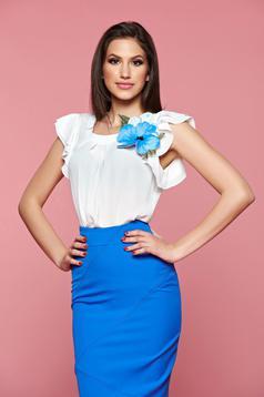 Kék LaDonna rövid ujjú női blúz virágos díszekkel
