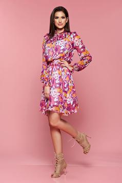 Lila PrettyGirl ruha derékban rugalmas virágmintás díszítéssel