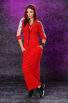Piros Ocassion ruha írásos minta sportos