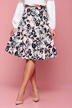 Rózsaszínű LaDonna bővülő szoknya virágmintás díszítéssel