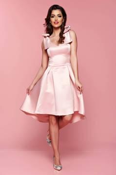 Rózsaszínű Artista aszimetrikus ruha szivacsos, push-up-os mellrész masnikkal van ellátva