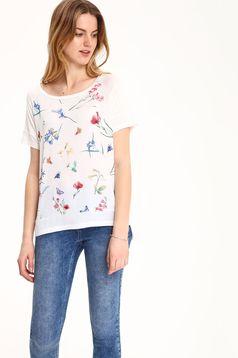 Fehér Top Secret hétköznapi póló virágmintás díszítéssel