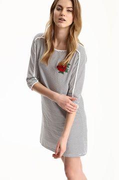 Fehér Top Secret csíkos ruha hímzett betétekkel