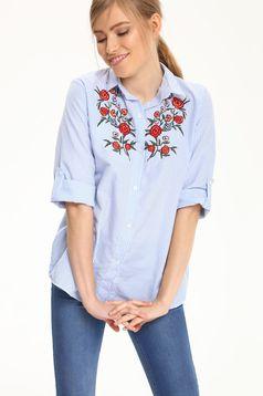 Világoskék Top Secret csíkos női ing hímzett betétekkel