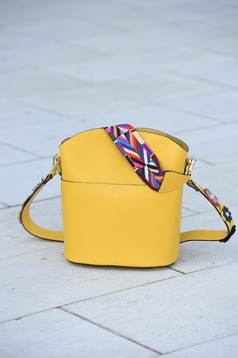 Sárga táska bőr