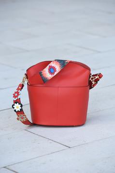 Piros táska bőr