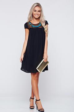 Fekete StarShinerS elegáns bő szabású ruha fátyol anyagból
