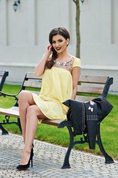 Sárga StarShinerS rövid ujjú hímzett bő szabású ruha