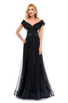 Fekete Ana Radu ruha alkalmi öv típusú kiegészítővel