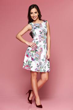 Rózsaszínű LaDonna ujj nélküli ruha virágmintás díszítéssel