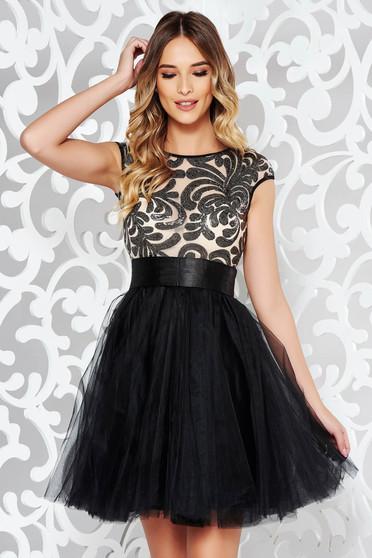 Fekete Fofy alkalmi a-vonalú tll ruha