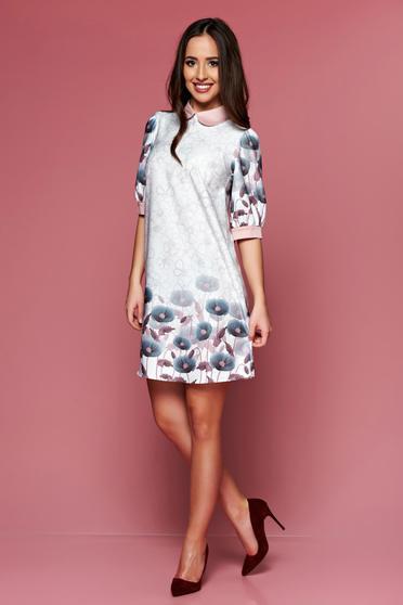 Krém PrettyGirl ruha bő szabás virágmintás díszítéssel