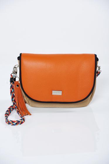 Narancs táska fémes kiegészítővel