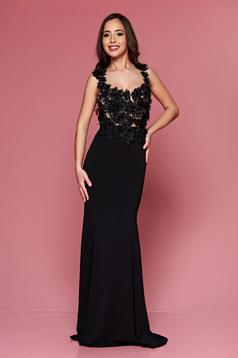 Fekete LaDonna hosszú hímzett alkalmi ruha dekoltázzsal