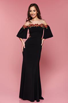 Fekete LaDonna hosszú hímzett alkalmi ruha harang ujjakkal
