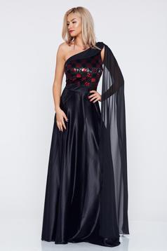 Fekete PrettyGirl alkalmi egy vállas ruha szatén anyagból