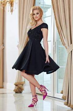 Fekete StarShinerS rövid ujjú a-vonalú alkalmi ruha
