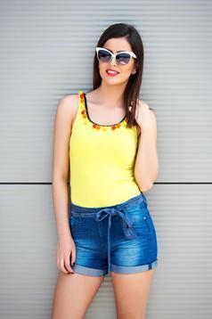 Sárga PrettyGirl szűk szabású hétköznapi bojtos felső