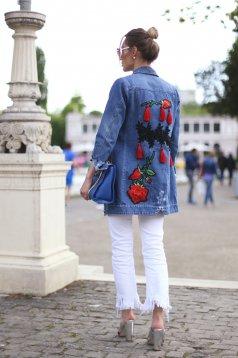 Kék Ocassion hímzett dzseki farmerarnyagból