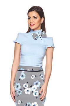 Világoskék Fofy rövid ujjú női ing masni alakú kiegészítővel