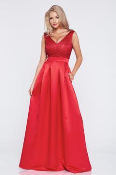 Piros hosszú alkalmi a-vonalú Fofy ruha dekoltázzsal