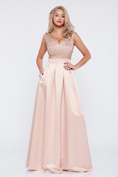 Rózsaszínű hosszú alkalmi a-vonalú Fofy ruha dekoltázzsal