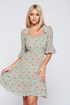 A-vonalú mint PrettyGirl ruha virágmintás díszítéssel harang ujjakkal