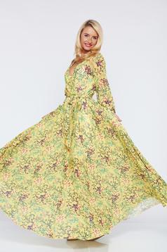Sárga PrettyGirl ruha lenge anyagból virágmintás díszítéssel