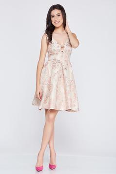 Elegáns rózsaszínű Fofy ruha kivágott hátrész