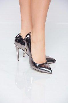 Ezüst cipő fémes jelleg enyhén hegyes orral