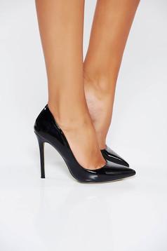 Fekete cipő magassarkú elegáns enyhén hegyes orral