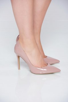 Krém cipő magassarkú elegáns enyhén hegyes orral