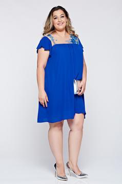 Bő szabású kék alkalmi LaDonna ruha hímzett betétekkel