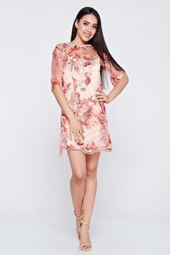 Rózsaszínű LaDonna alkalmi hímzett ruha csipkés anyagból