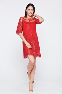 Piros LaDonna alkalmi hímzett ruha csipkés anyagból