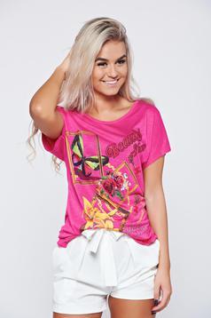 Pink bő szabás hétköznapi póló írásos mintával